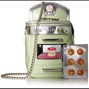 Betsey Johnson Oven Mint